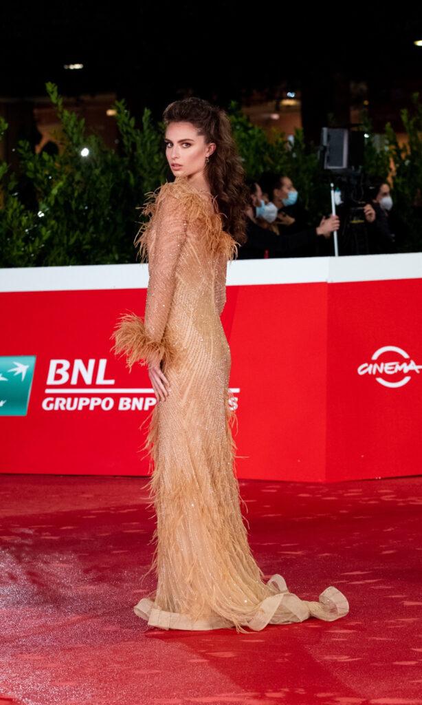 Nicole_Macchi_modella_vivien_luxury_red_carpet