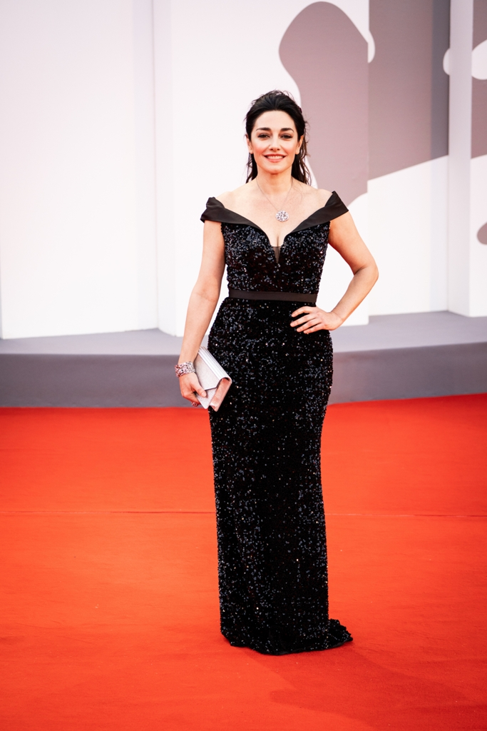 Sara-Ricci-red-carpet-Vivien-Luxury-Beyond-the-Magazine